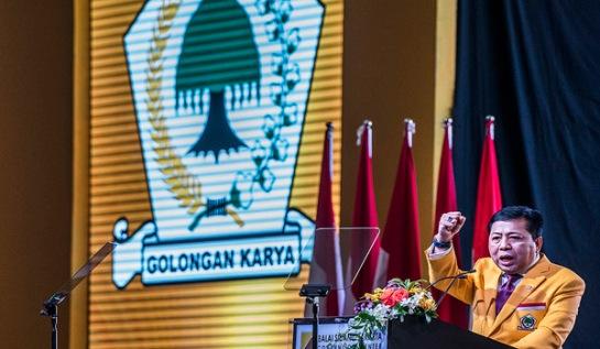 Ketua Umum Partai Golkar, Setya Novanto menyampaikan pidato politiknya saat pembukaan Rapimnas partai Golkar di Jakarta,