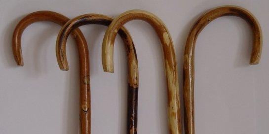 1-tongkat-hantu