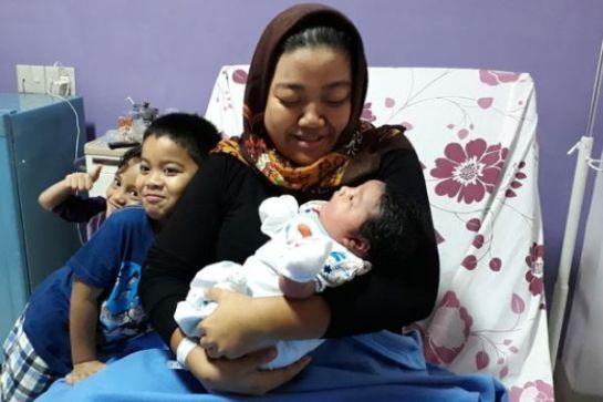 bayi-raksasa-lahir-di-palembang