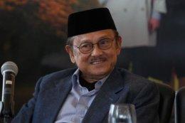 20 Tahun Reformasi, BJ Habibie Sebut Indonesia Dijajah PolitikIdentitas